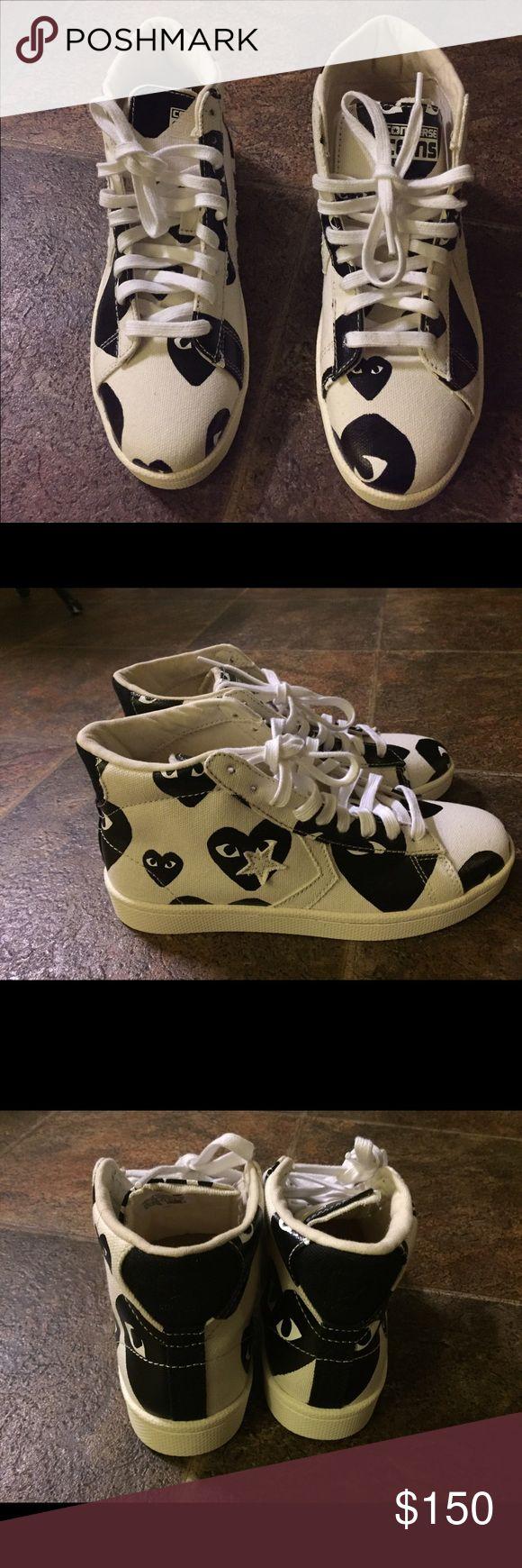 COMME DES GARÇON x CONVERSE Black & white comme des garcon x converse colab sneakers, practically new literally wore them for a few minutes. *COMES WITH BOX* Comme des Garcons Shoes Sneakers