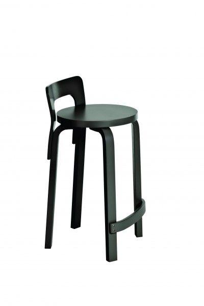 Artek - Tuotteet - Tuolit - TYÖTUOLI K65, maalattu musta maalattu musta 395 €, saatavilla myös pehmustettu kangas- tai nahkaverhoilu. Leveys 38x40, istuinkorkeus 60. Kokon kork. 70.