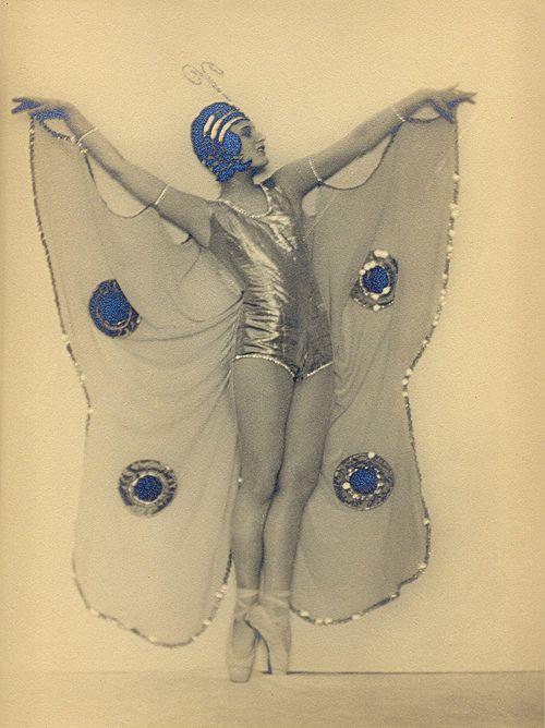 Bilein Dalossy,c.1925 by Martin Badekow