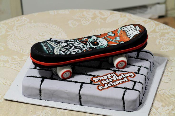 Skateboard Birthday Cake cakepins.com