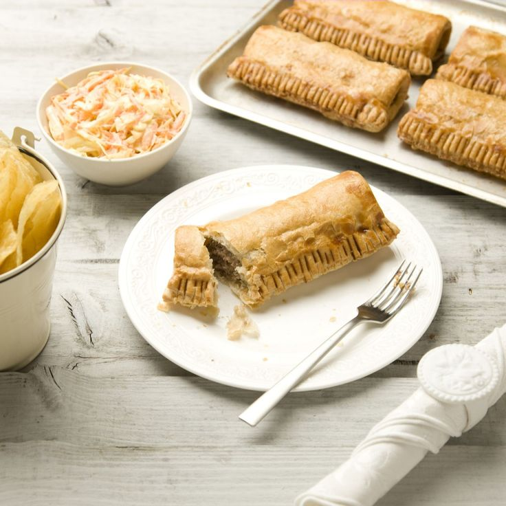 806858 - The Real Pie Company 9 Piece Sausage Roll Selection QVC Price: £23.00  TSV Price: £18.96 + P&P: £2.95 in 2 options  A tasty, nine-piece Sausage Roll Selection from The Real Pie Company in a choice of Traditional Sausage Rolls or the Autumn Selection featuring Pork & Black Pudding and Pork, Leek & Sage Sausage Rolls. Stock up on delicious pastries that the whole family can enjoy as a light meal or a warming snack.