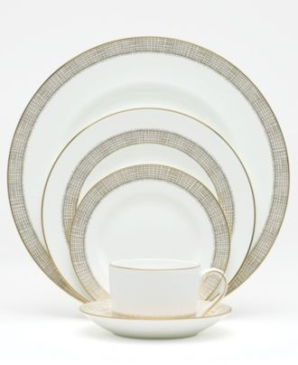 For the modern bride: Vera Wang for Wedgewood dinnerware #macys #wedding #registry