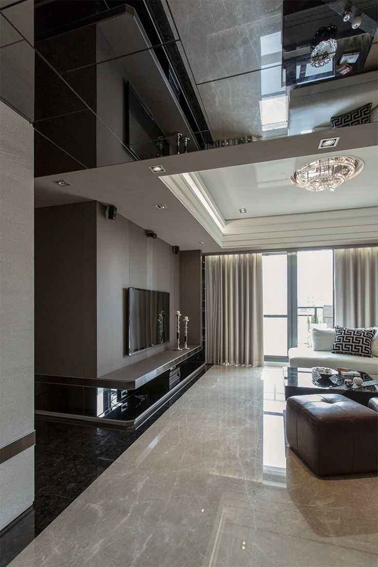 Tv-huone, olohuone, kiiltäviä pintoja, katto, valaistus