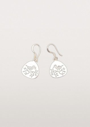 Light as a feather, these sweet accessories will have you whistling a happy tune every time you wear them. Artisans cut into the silver coloured metal to create the bird shape.