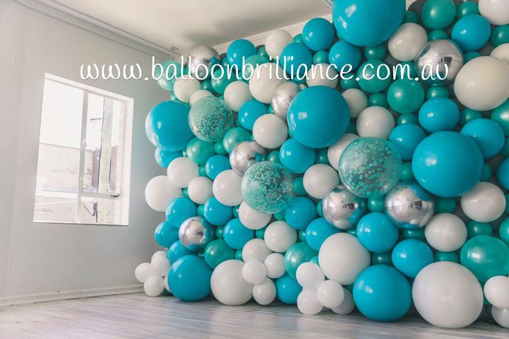 Tropical Organic Balloon Wall @thesocialclub__ Launch Party #balloonwall #canberraballoons #balloonscanberra #canberra #thesocialclub_ #act #cbr #BalloonBrilliance @sxnvdw