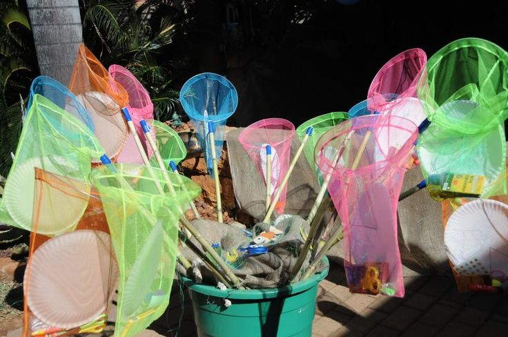 Fish theme party - Fish Net Activity Packs, with a paper plate, some glue, glitter etc to keep the kids busy! - What a hit!