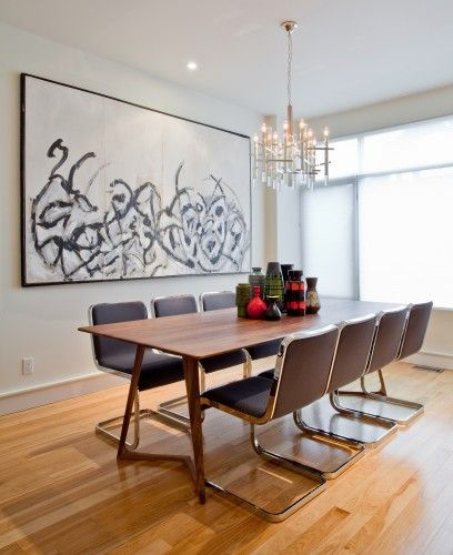 Toronto Designer creates beautiful spacious looking interiors. Props to the T dot Beautiful vintage/modern that could work in my 1950's bungalow.