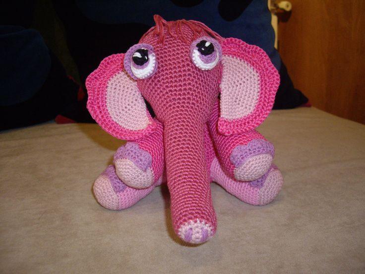 Una elefantita muy pequeñita
