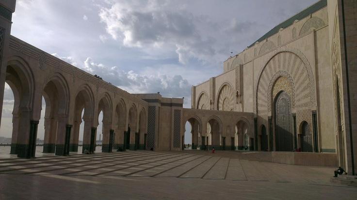 2. Muhammed Camiinden bir görünüm. Casablanca / Fas