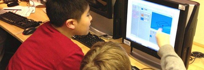 """Um projeto britânico que visa ensinar programação e linguagem computacional para crianças em idade escolar chegou ao Brasil. O chamado """"Code Club"""" (em português: Clube do Código ou Clube de Programação)nasceu em Londres, fruto de um esforço que une designers e programadores que se voluntariam para"""