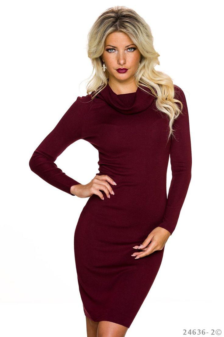 Rochie Magical Day Burgundy. Rochie tricotata pana la genunchi, mulata pe corp, din material moale si elastic, cu maneci lungi. O rochie de zi, confortabila, se potriveste pentru o tinuta casual-sport.