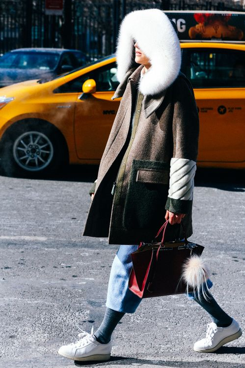 Street looks à la Fashion Week automne-hiver 2015-2016 de New York http://www.vogue.fr/mode/street-looks/diaporama/street-looks-la-fashion-week-automne-hiver-2015-2016-de-new-york/19083/carrousel#street-looks-la-fashion-week-automne-hiver-2015-2016-de-new-york-14