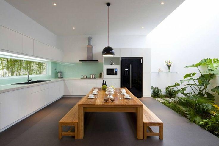 diseño de cocina moderna con jardín