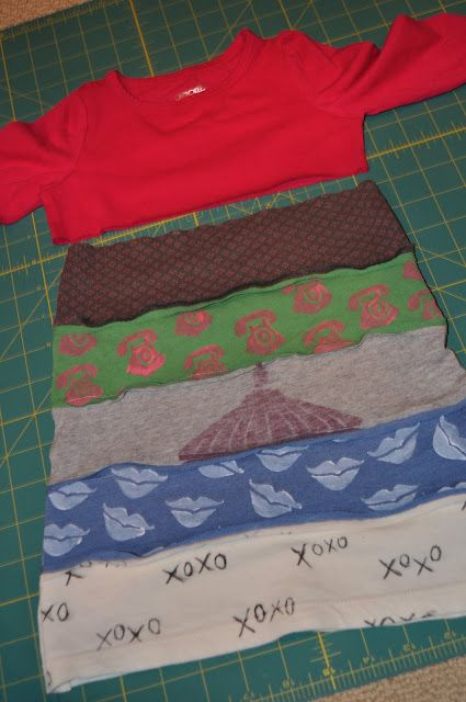 Upcycle T-shirt dress. I want to try this with Evi's old t-shirts.