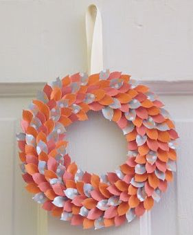 great idea for a wreath for the spring time: Paper Craft, Paper Wreaths, Paper Leaf, Wreath Idea, Spring Wreaths, Paper Leaves, Craft Ideas