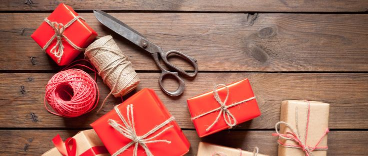Your Holiday Buying Guide: Gift Ideas for Coworkers