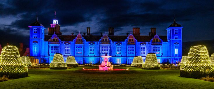 https://flic.kr/p/DZz2Rj | Christmas Lights at Blickling Hall