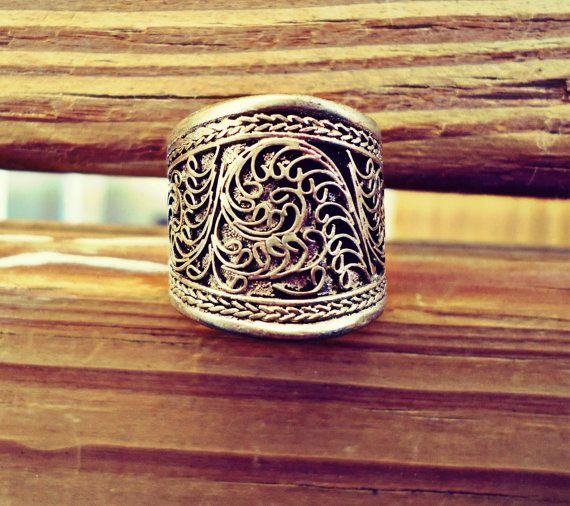 FREE Shipping  Vintage Big Adjustable Tibetan Silver Lotus Filigree Amulet Ring- Tibetan Mantra Ring- Buddhist jewelry- Tribal ethnic Rings on Etsy, $18.00