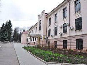 Лицей при Медакадемии собираются выселить http://dneprcity.net/dnepropetrovsk/licej-pri-medakademii-sobirayutsya-vyselit/  Все из-за того, что учебное заведение не платит за аренду, хотя по закону и не должно этого делать. С такой же ситуацией столкнулись в свое время и другие четыре лицея