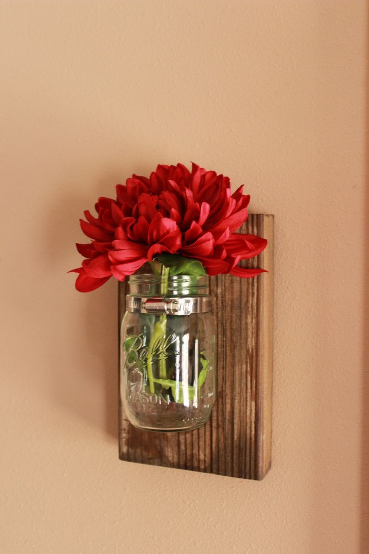 Just need to find some pieces of wood that look old! DIY Mason Jar Wall Decor