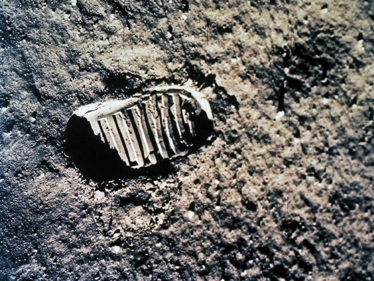 'Footprint' in the Lunar Dust by nasa.gov: On July 20, 1969, more than a billion people watched Neil Armstrong take humankind's first step on another world. The Apollo 11 mission fulfilled President John F. Kennedy's goal of reaching the moon by the end of the decade. #Moon #Footprint #Apollo_11 #Neil_Armstrong #NASA