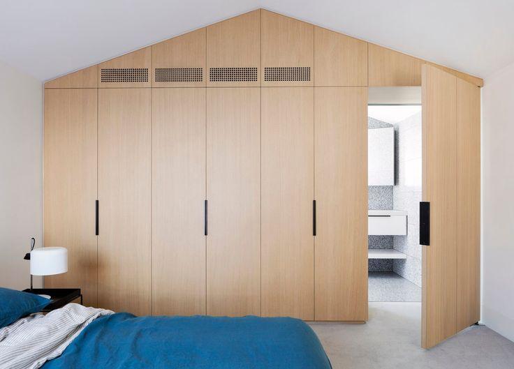 Bedroom | Port Melbourne House by Pandolfini Architects | est living