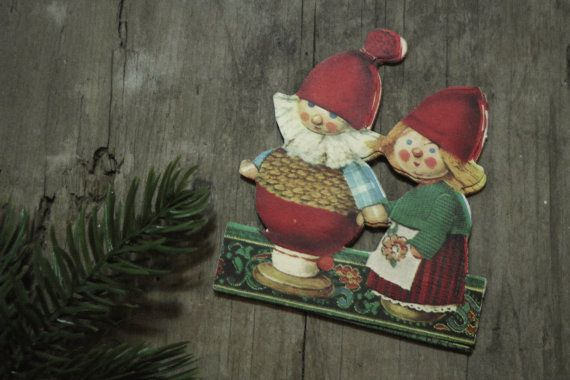 Swedish Vintage Paper Chain with Christmas Doll by SveaBrittas