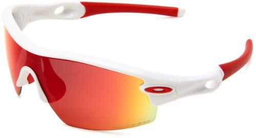 A handful of hardcore Oakley gear gurus might recognize design elements from the bestselling M Frame in these Radar Pitch Sunglasses, but the frame and interchangeable lens shapes stand apart from previous incarnations. Whether you're looking for a fashionable upgrade from your M Frames or you need sports sunglasses for high-impact activities, the award-winning Radar Pitch is an ideal choice...