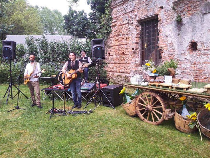 band - wedding - matrimonio - allestimento - sunflower - girasoli - estate- rustic
