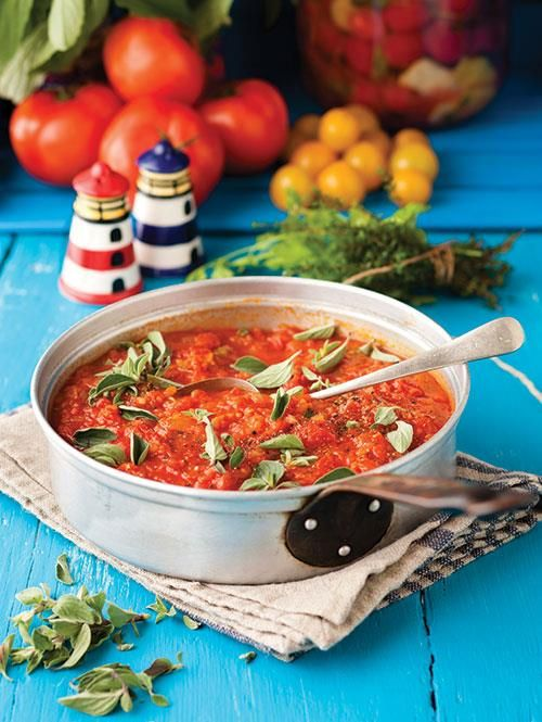 Die beste tamatiesous | The best sauce for pasta  www.rooirose.co.za #tomatoes