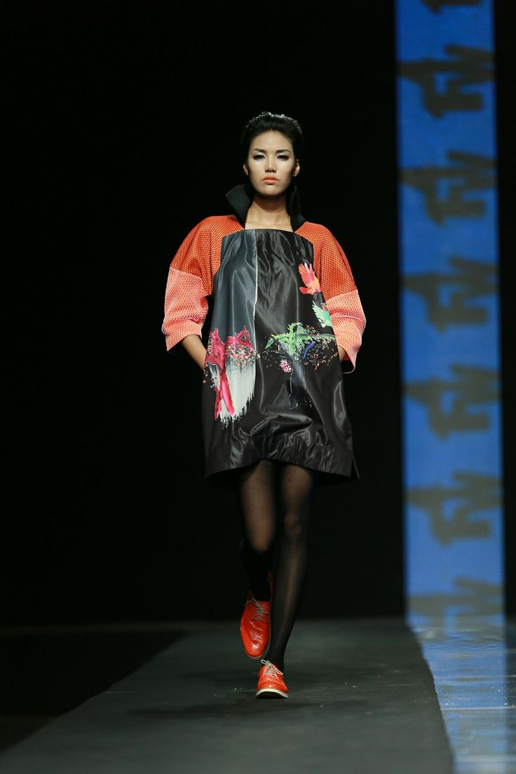 Vietnam Fashion Week FW14 - Ready to wear.  Designer: Ngoc Thanh-Cong Huan Photo: Thanh Dat