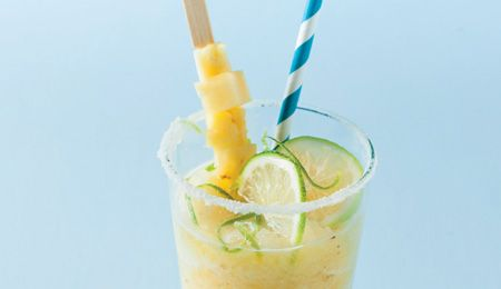 Frozen pineapple and lime smoothies