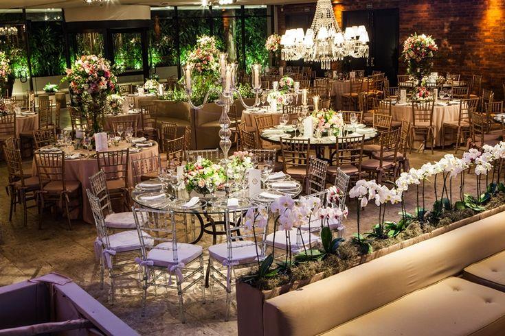 Casamento romântico: cadeiras tiffany para decoração