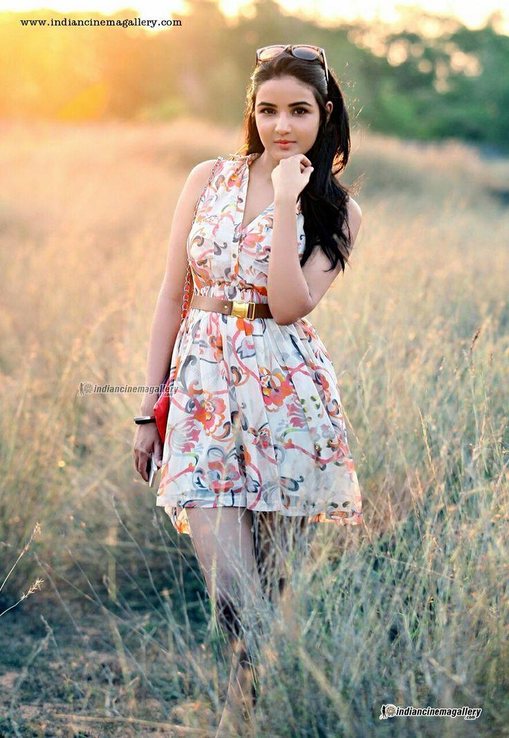 Cute Jasmin