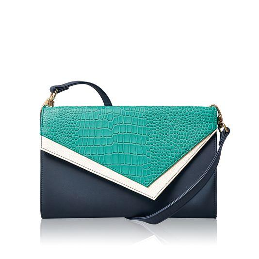 Asimetrik tasarımlı #oriflame zoe el çantası ve kartvizitlik http://www.oriflamekatalogum.com/zoe-el-cantasi-ve-kartvizitlik.html