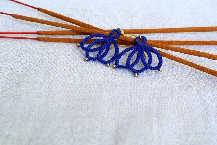 Lotus flower earrings   tatted lace flower jewelry   tatting   frivolité   yoga earrings   flower blossom by Ilfilochiaro on Etsy https://www.etsy.com/listing/188589299/lotus-flower-earrings-o-tatted-lace