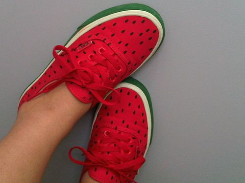 +Red Off-the-Wall Vans, check +Green paint, check +Black paint, check +Lots of time paint seed shapes :) Can't wait to try a pair.