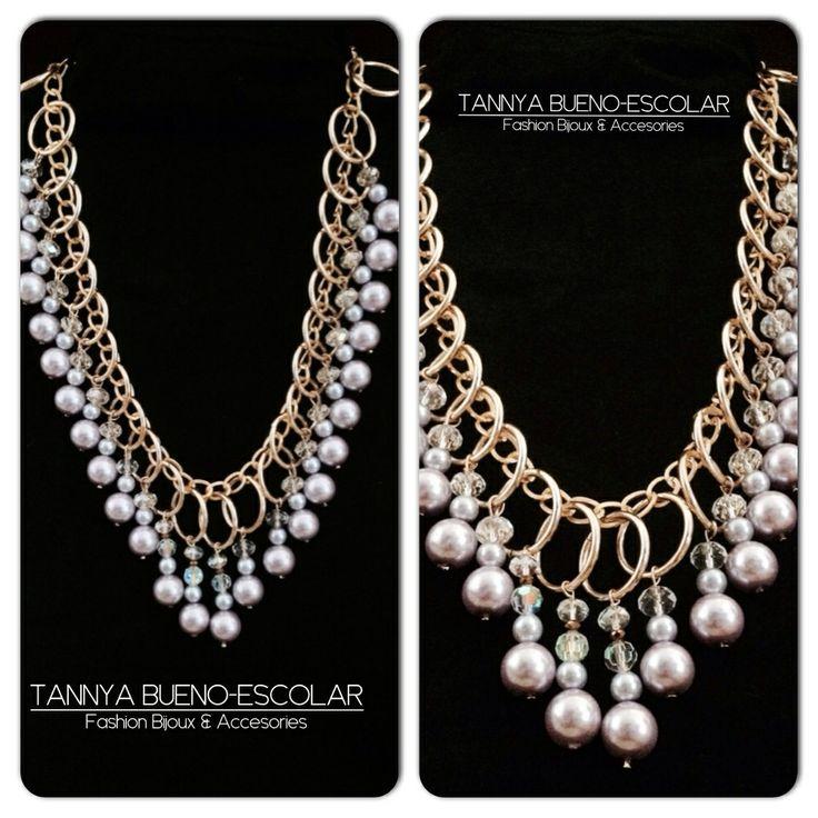 Collar dorado y perlas de cristal