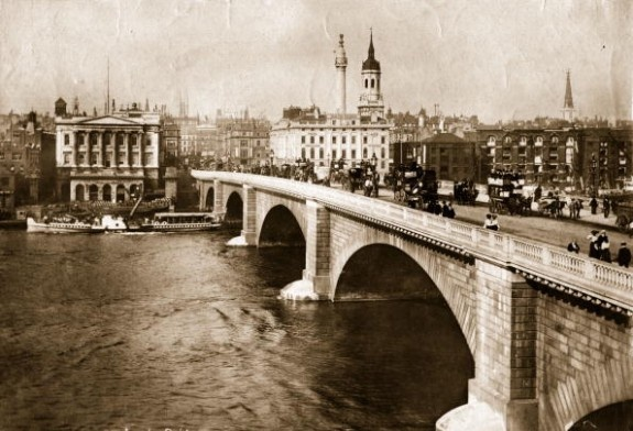 London Bridge, circa 1890: Traffic on the new London Bridge, opened in 1831, looking north; centre left is the Monument to the Great Fire of London of 1666; centre right is the spire of St Magnus the Martyr. (Photo by Hulton Archive/Getty Images)
