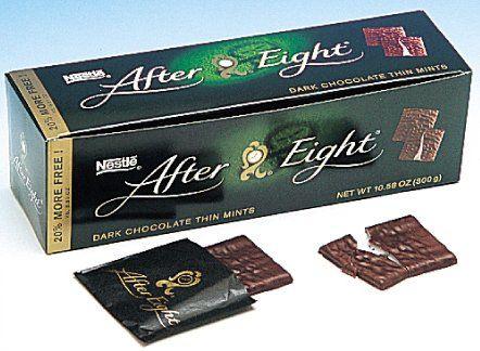 Les After-Eight que je mangeais jusqu'au dernier. Prenant soin de laisser les papiers marron...Puis ma grand-mère en offrait à quelqu'un...