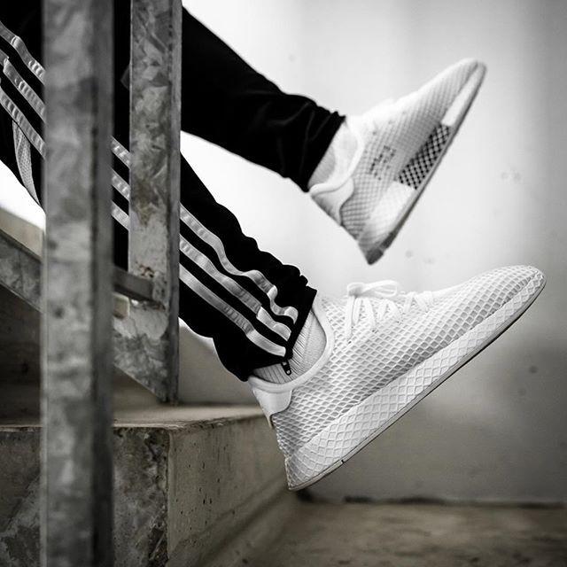 75c71631683030 Adidas Deerupt Runner Triple White