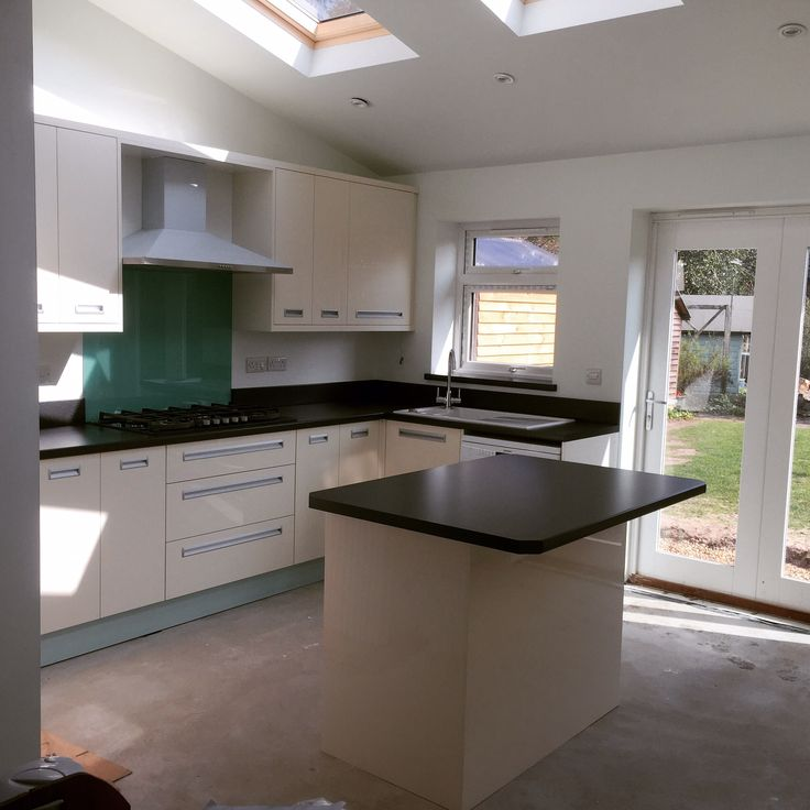 Zurfiz High gloss kitchen-doors by BA Components.