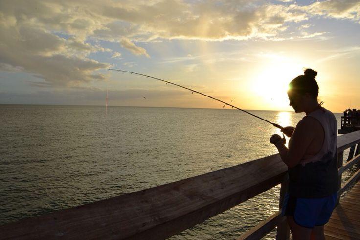 Pêcheuse sur le Pier, Naples, Floride