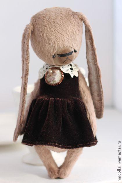 Тася. В РЕЗЕРВЕ для Ирины    Идеальная девочка. Абсолютно не капризное, милое и нежное создание ))    Сшита из вискозы очень интересного цвета... розовое какао... пыльная роза.....шоколад с молоком....)    Ушки - жаккард.