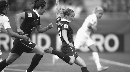 Eugénie Le Sommer scored the lone goal in France's 1-0 win over England.