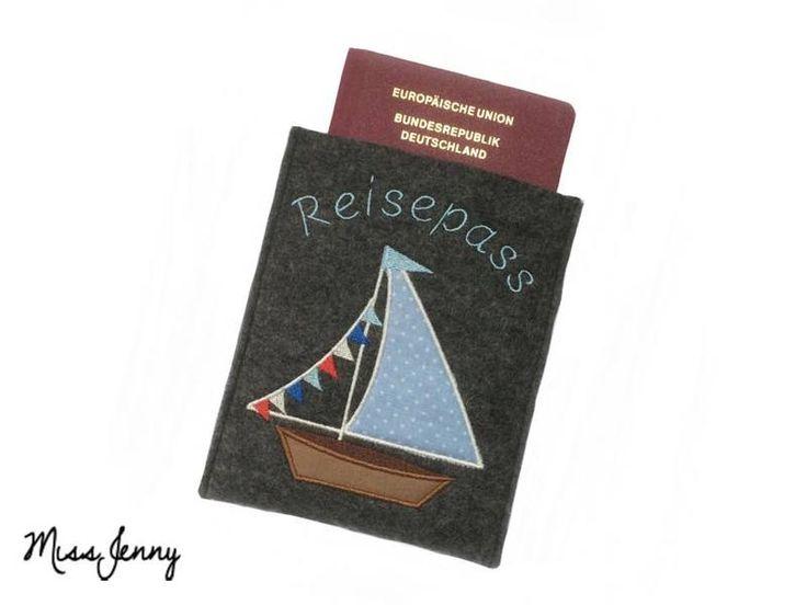 ♥ Reisepass-Hülle Wollfilz anthrazit Segelboot ♥ von MissJenny auf DaWanda.com