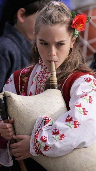 A gaida is a bagpipe from the Southeast Europe. Bulgarian bagpipes are known as Gaida. V