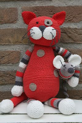 Cat And Mouse From Stip & Haak - Crochet Inspiration - No Pattern - (Possible Pattern In Dutch By E-mail) - (stipenhaak.blogspot)