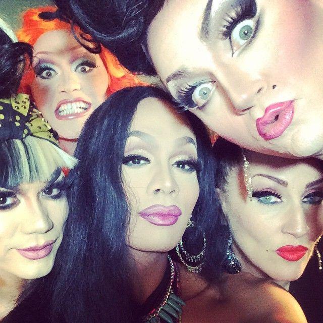 Raja, Manilla Luzon, Jinkx Monsoon, Michelle Visage, & Ben DelaCreme. (DeLa's face )