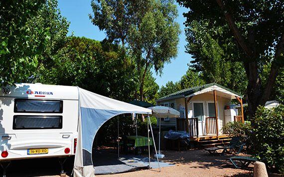 Emplacements de camping de 80 à 130 m2 dans un camping 5* à St-Raphaël